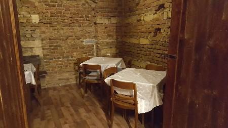 Salónek naší restaurace vhodný pro oslavy i romantickou večeři